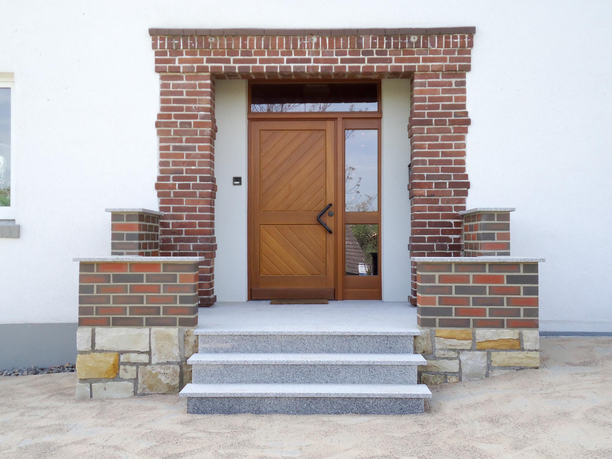 Hauseingang-nach-der-sanierung